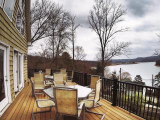 Breathtaking Lake View w/ boat slip at Springs, La Follette