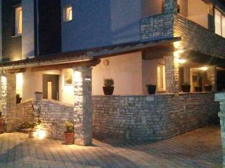 Kiara Apartman in Pula FOR 9 PEOPLE
