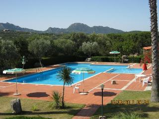 SUNSET & SEA VIEW APARTMENT 2/4 PAX, Porto Rotondo