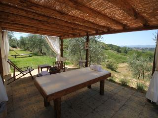 MORELLINO is a typical apartment in the tuscan countryside ideal for a couple