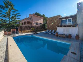 Spectacular 4 bedroom villa with private pool, Llucmajor