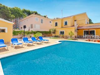 Fantastic villa with swimming pool for 12 people, Playa de Palma