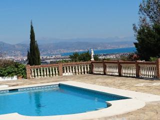 Villa, private pool, sea view, jacuzzi, big secluded garden, A/C, BBQ, WiFi