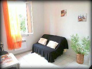 Loue joli studio dans petite maison niçoise, Nice