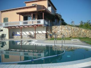 Melissa Luxury Villa Suites with pool & sea view, Almyrida