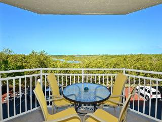 Barbados Suite #204 - 2/2 Condo w/ Pool & Hot Tub - Near Smathers Beach, Key West