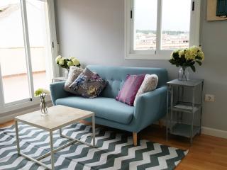Apartamento con terraza y vistas. WIFI, La Zubia