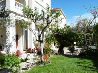 3 bedroomed apartment very close to the center and an easy pleasant walk to the