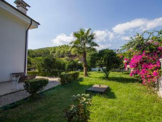 Rent Luxury Villa, Camyuva