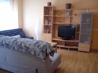 Piso centrico de dos habitaciones con cinco camas., Zaragoza