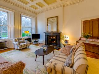 Georgian elegance overlooking home of golf Leith!, Edimburgo