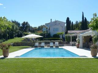 Beautiful 4 bed Villa in Beauvallon close to beach, Grimaud