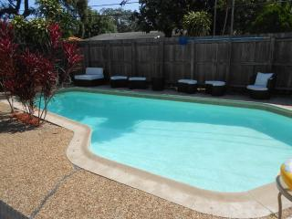 Furnished Pool Home W/ Jacuzzi, Fort Lauderdale