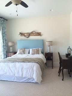 Another master bedroom w/ private balcony w/ ocean views, quiet, tranquil and walking in closet