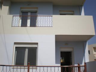 Villa Venezia for rent up to 6 people, Koutouloufari