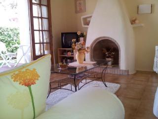 Fantástico apartamento con jardín, Fornells