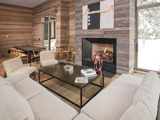 Luxury Retreat on the banks of Gore Cree - 7 Bdrms, Vail