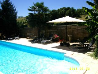 Cottage/Views! Private, heated pool. Pets Welcome!, Ayen