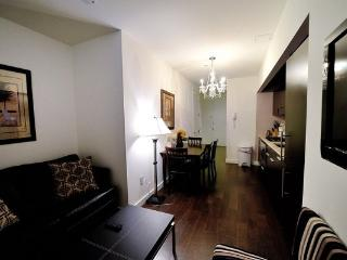 Luxury 2BR/1BA Doorman Apt for 6 on Wall Street