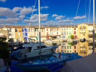 Four bed house in Port Grimaud with large berth.