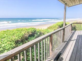 Oceanfront Beauty With Splendid View King Suite and Spa Tub!, Lincoln City