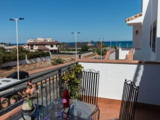 Luxury bungalow with private solarium, La Mata