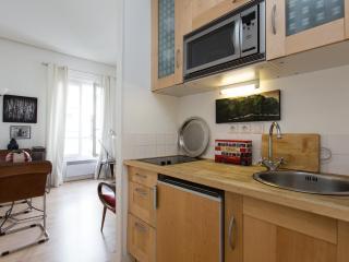 onefinestay - Rue du Commerce private home, Paris
