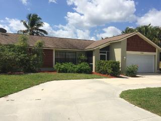 Panorama, awesome gulf access lake views, Cape Coral
