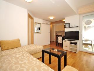 Apartments Maja - 47431-A8, Okrug Donji