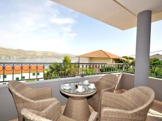 Apartments Maja - 47431-A3, Okrug Donji