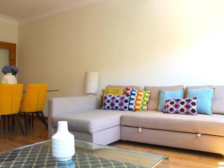 Sal Purple Apartment, Telheiras, Lisboa
