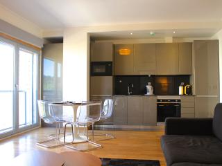 Canella Brown Apartment, Sete Rios, Lisbon