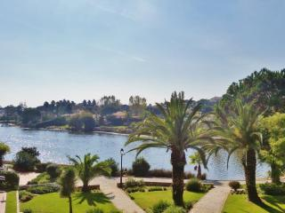 Lakeside apartment - beautiful lake view, Quinta do Lago