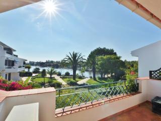 Lakeside apartment - beautiful lake view