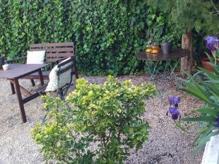 Casa&jardín cerca Delta Ebro + bicicletas, Santa Barbara