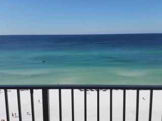 A804*Master on Beach Side*Incredible Gulf View!, Destin
