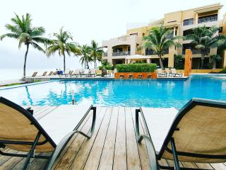 Royal Properties, Playa Paraiso