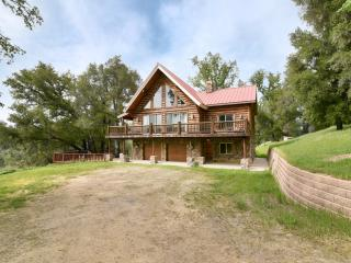 Stunning Lake Nacimiento Lodge 10% off 7+ nights!, Paso Robles