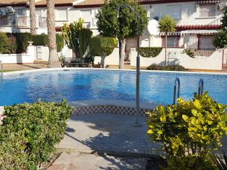 Town house in great position for a lively holiday, La Zenia