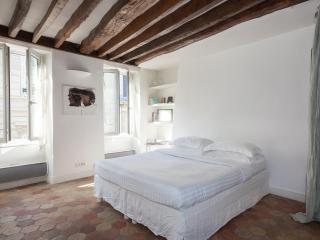 onefinestay - Rue Saint-Dominique II private home, Parijs