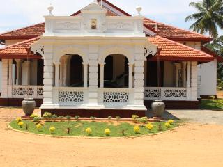 This 100 year old heritage villa is just 10 mins from Southern Expressway in Matara