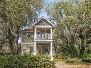 Gorgeous Home with Cook's Kitchen In Port Royal