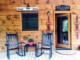 Welcome to Little Creek Cabin!
