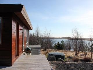 Lakehouse next to a golf course, Arborg