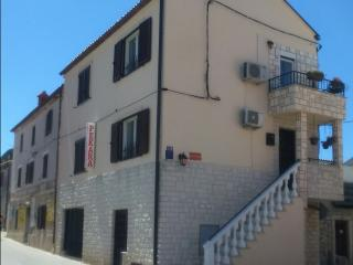 Family apartment Premantura