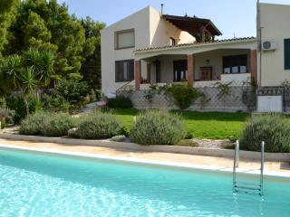 villa with pool in trapani countryside