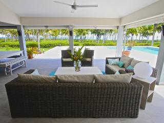 Outdoor salon with ocean view