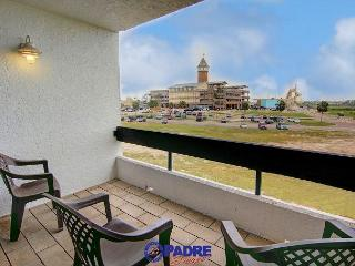 3 Bedroom Penthouse unit at Schlitterbahn entry!, Corpus Christi