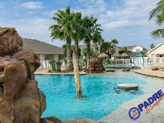 Comfy one bedroom condo with a Great Lagoon-style Pool!, Corpus Christi