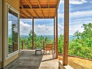 New Listing! Cozy 3BR Little River Canyon Home on 5 Acres w/Stunning, Sweeping Mountain Views - Experience Complete Privacy!, Gaylesville